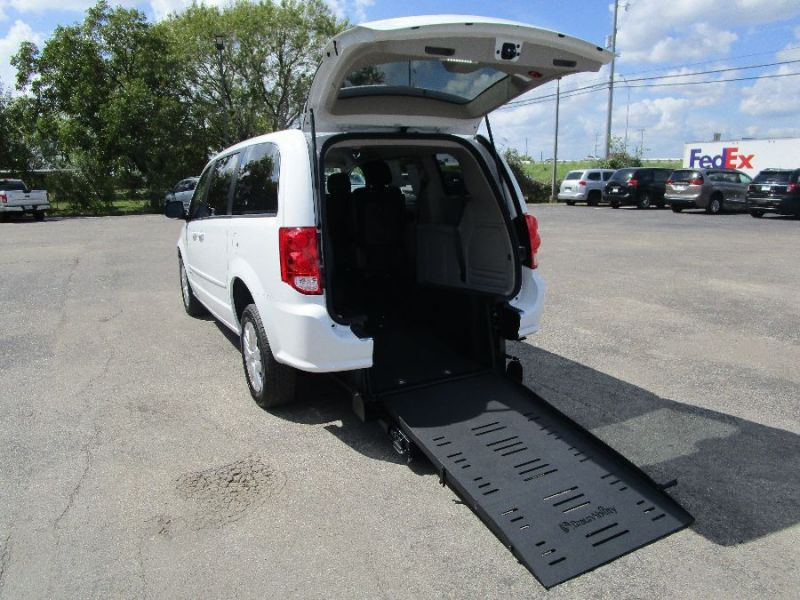 Dodge Grand Caravan - Rear Entry - View 2