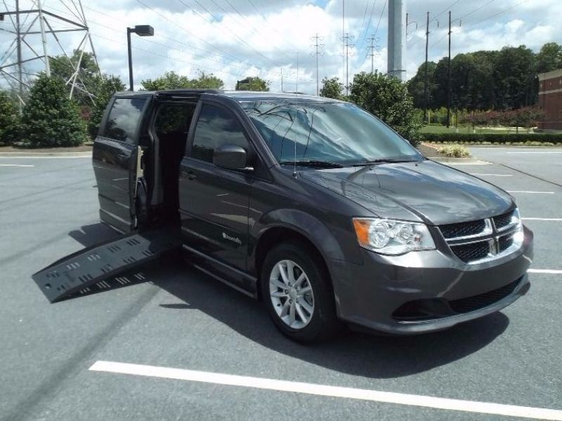 Dodge Grand Caravan - Side Entry - View 2