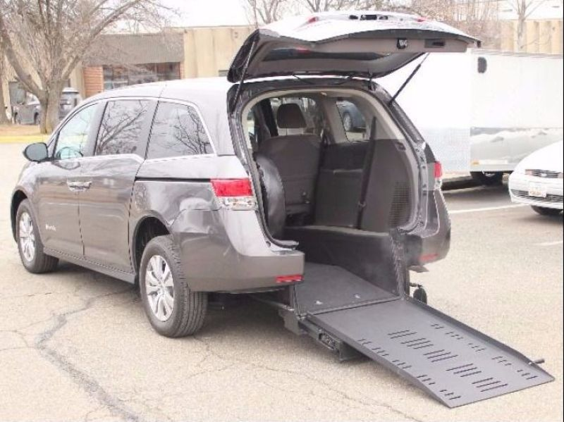 Honda Odyssey - Rear Entry - View 2