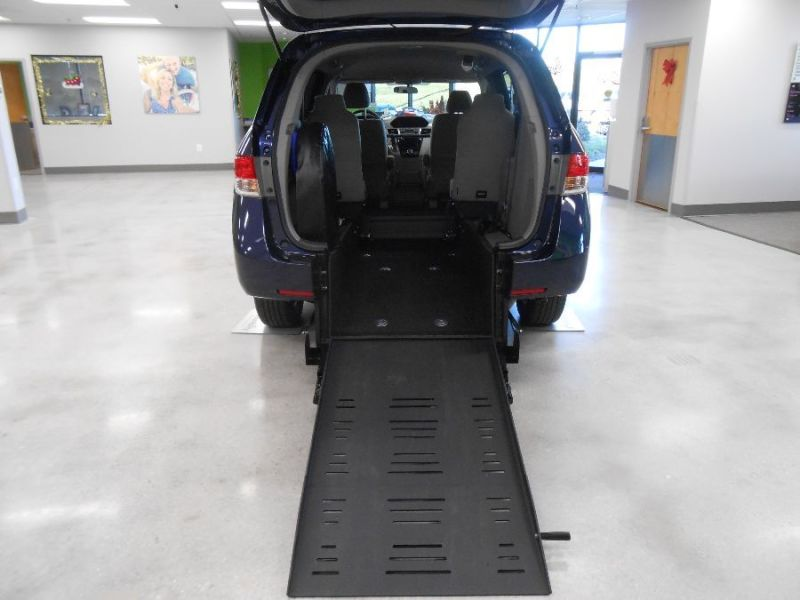 Honda Odyssey - Rear Entry - View 3