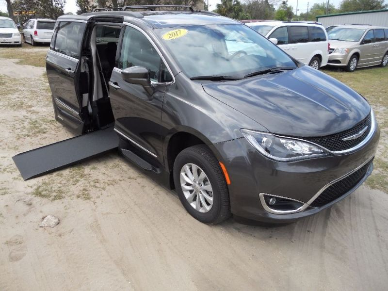 Chrysler Pacifica - Side Entry - View 2