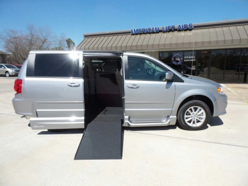 Dodge Grand Caravan - Side Entry - View 1