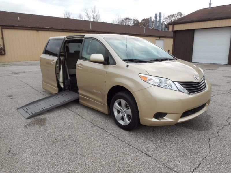Toyota Sienna - Side Entry - View 2
